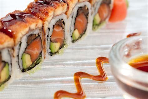 cuisiner des sushis faire des sushi maison 28 images d 233 linquances et