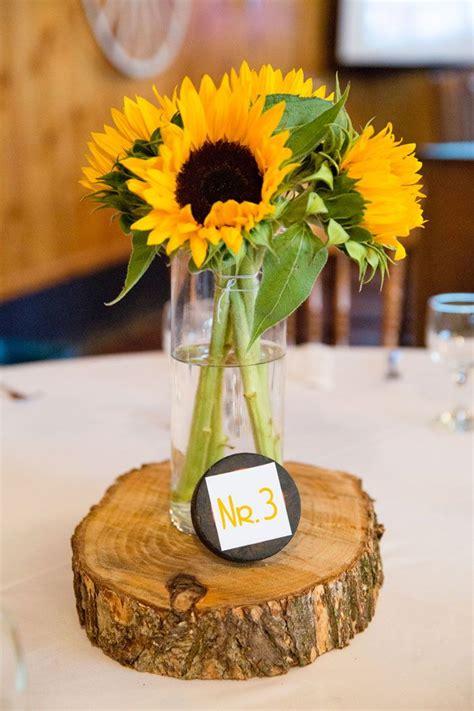 tischdeko mit sonnenblumen mit bildern sonnenblumen