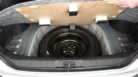 2016 nissan maxima spare tire and tools