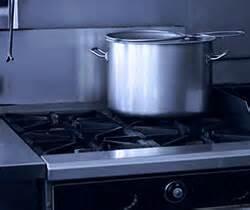 cuisiner au gaz ou à l électricité 15 conseils pour réduire ses factures d électricité et de gaz