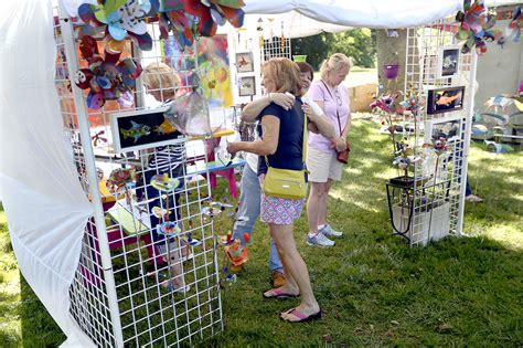 Sunshine, Avalanche Of Art Greet Crosby Festival Attendees
