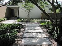 trending modern garden design Landscaping Ideas End Driveway Mid Century Modern With ...