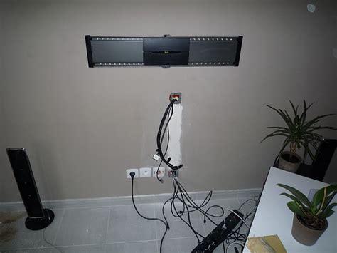 passe cable mural pour tv 28 images habiller les c 226 bles d une tv murale quand les prises