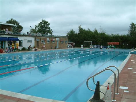 Hampton Heated Open Air Pool In London  Nearby Hotels
