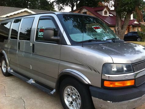 2003 Chevrolet Express Photos, Informations, Articles