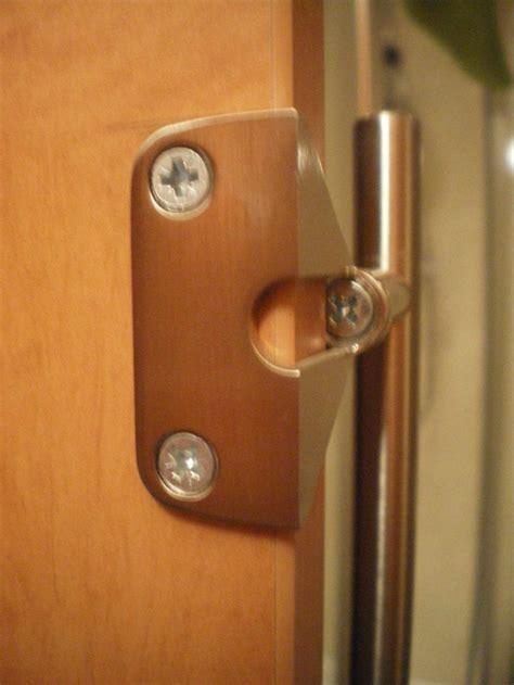 tracking   bracket  mounting cupboard door handle