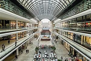 Centre De Berlin : le nouveau mail de centre commercial de berlin photographie ditorial image 64139577 ~ Medecine-chirurgie-esthetiques.com Avis de Voitures
