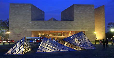 washington weekend long national aarp getaway visiting mall beyond sure explore