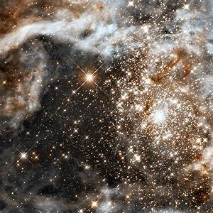 File:Grand star-forming region R136 in NGC 2070 (infrared ...