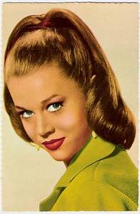 22 best images about 1950s Hairstyles on Pinterest | Dress ...