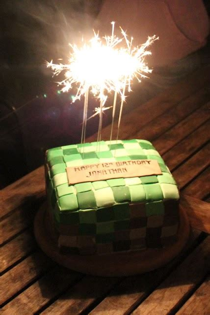 how to decorate a minecraft cake 101 best images about minecraft cakes on