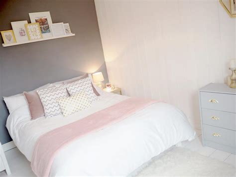 Gray White And Pink Bedroom  Ideas For Small Bedrooms