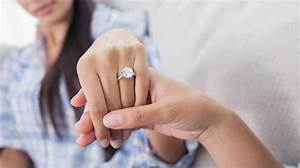 5 benefits of buying engagement ring online luxury activist With buying wedding ring