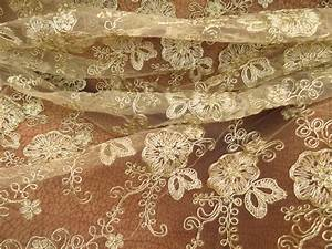 Chantily Nylon Lace Fabric For Wedding Dresses , Scalloped ...