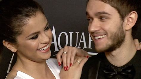 Selena Gomez Declares Her Love For Zedd - YouTube