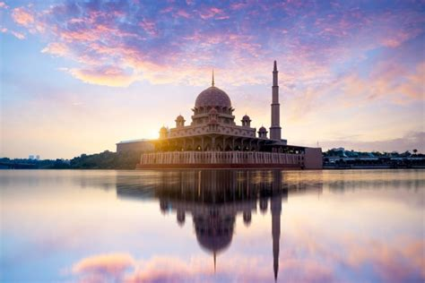 10 of The Most Beautiful Mosques & The Largest Mosque in ...