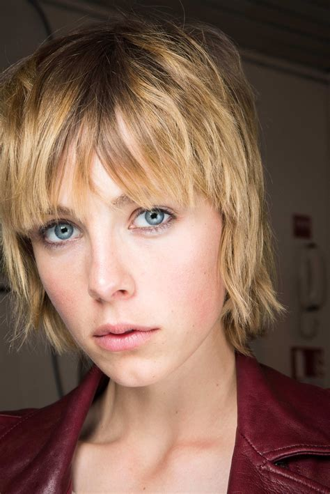 Feathered Pixie Hairstyles by The Chicest Layered Bob Hairstyles And How To Get Them