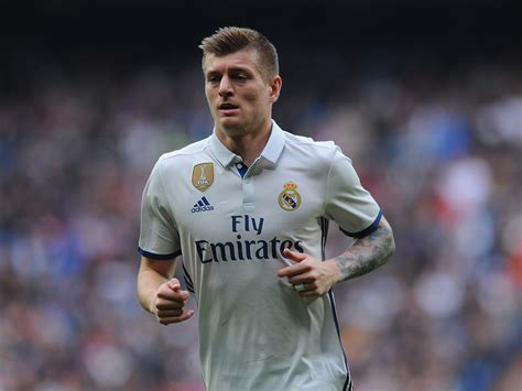 Manchester United revive transfer interest in Real Madrid ...