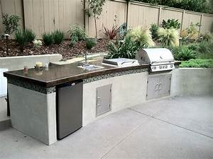 Kate presents modern barbecue island outdoor kitchen for Bbq outdoor kitchen
