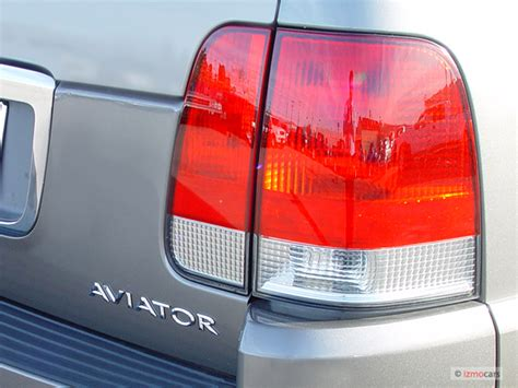 lincoln aviator led tail lights 2004 lincoln aviator pictures photos gallery the car
