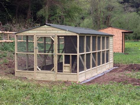 chicken coop and run 9x21 walk in chicken coop and run this is a great design it offers protection from winds and