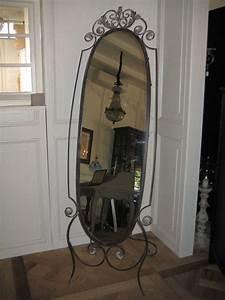 Pied En Fer Forgé : miroirs decoratifs tous les fournisseurs miroir peint miroir carre miroir rond ~ Teatrodelosmanantiales.com Idées de Décoration