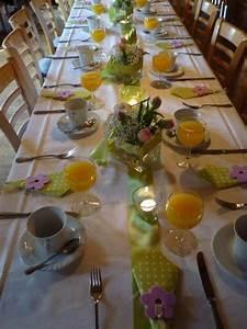 Tischdeko Geburtstag Basteln : tischdeko mit tulpen festliche tischdeko ideen mit fr hligsblumen ~ Eleganceandgraceweddings.com Haus und Dekorationen