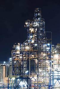 Luminous Nighttime Photos of European Oil Refineries