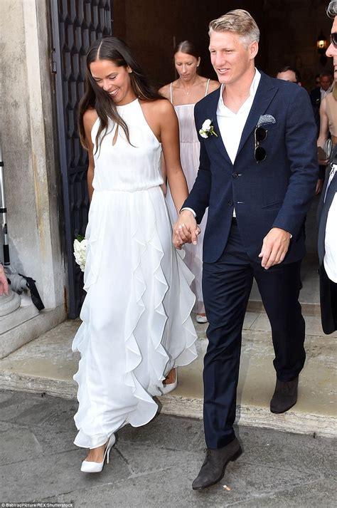 manchester united playerbastian schweinsteiger weds
