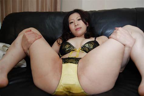 Asian Brunette Milf Miharu Suga Smiles To That Sexy