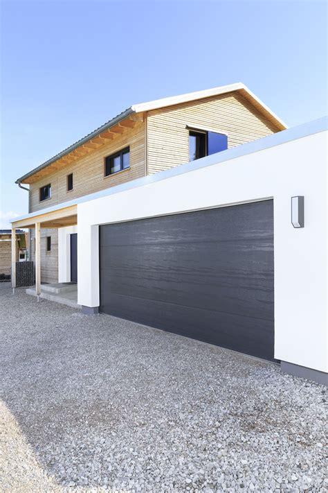 Garage Auf Der Grenze by Fertighaus Mit Doppel Garage Haus Schneider Baufritz