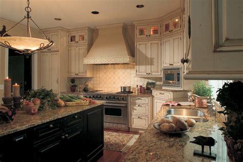 black country kitchens бежевая кухня интерьер кухни в бежевых тонах 1676