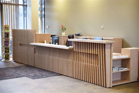Individuāli projektētas biroja mēbeles - sekretāres lete ...