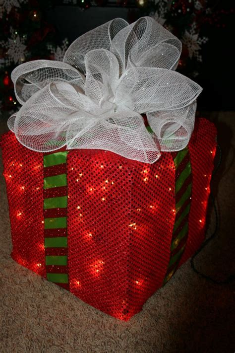 how to make a lighted christmas box decoration trendy