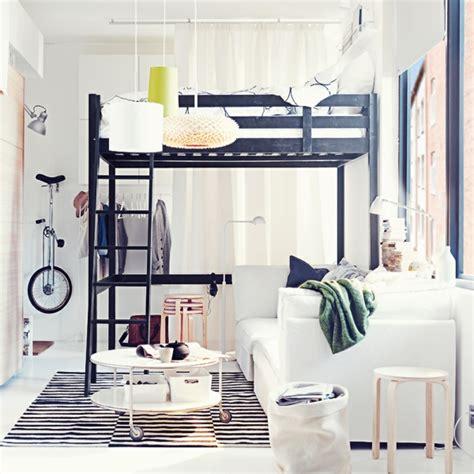 chambre adulte petit espace chambre a coucher espace restreint raliss com