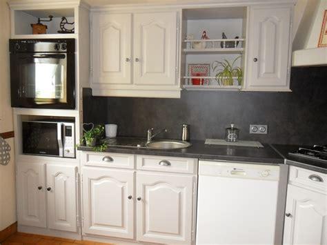 cuisine et gris davaus modele cuisine gris et blanc avec des idées