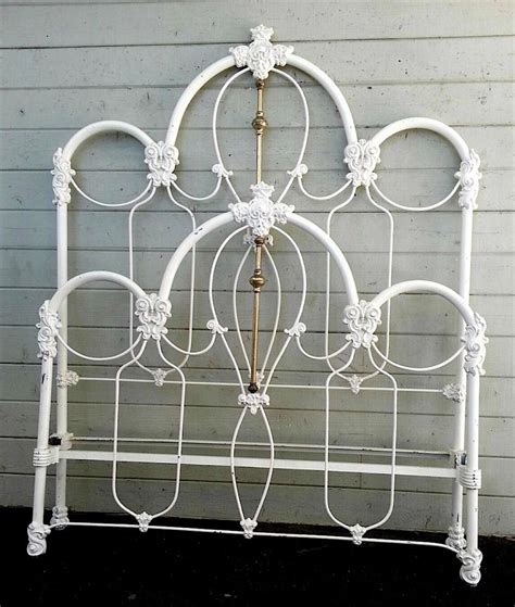 Vintage Iron Bed by 56 Best Antique Beds Images On