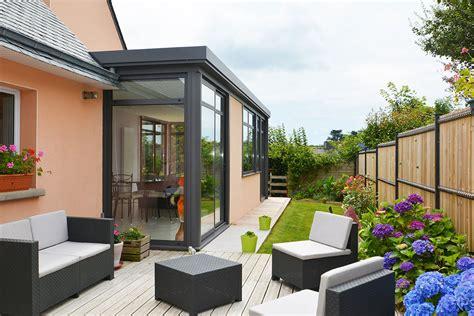 agrandissement cuisine sur terrasse extension vitrée et veranda avec bandeau aluminium