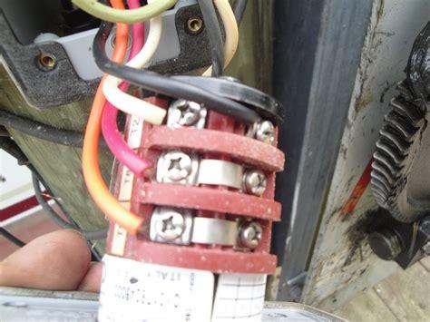 i am trying to wire a leeson a4c17dh4h to my boat lift controller i a orange black