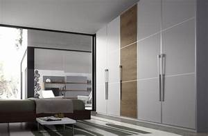Grande Armoire Dressing : l 39 armoire dressing dans la chambre coucher moderne ~ Teatrodelosmanantiales.com Idées de Décoration