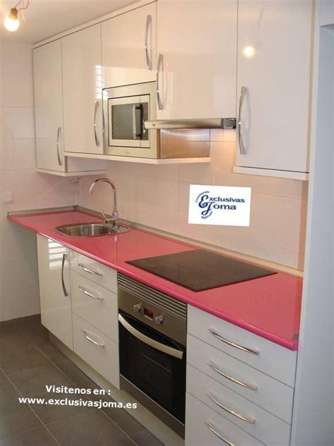 muebles de cocina en lamiplus alto brillo  encimera en