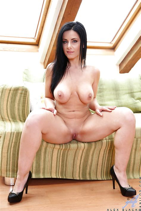 Czech Milf Alex Black Gives Good Thrashing To Her Shaved