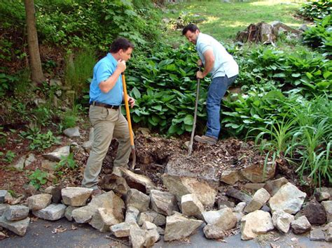 Gardens How To Build by How To Build Tiered Garden Walls How Tos Diy
