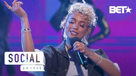 DaniLeigh Upgrades the 2019 BET Social Awards Stage with ...