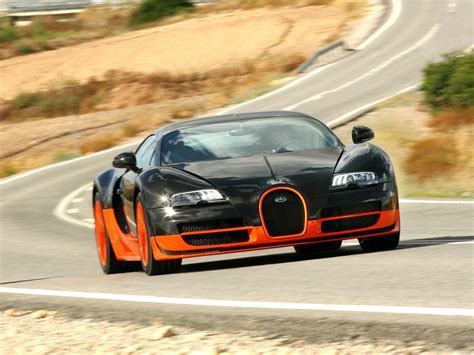 Every element of the chiron is a combination of reminiscence to its history and the most innovative technology. Science Engine - Automobile: BUGATTI VEYRON SUPER SPORT