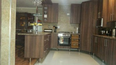 customised built in cupboards kitchen cupboards west rand building and renovation services