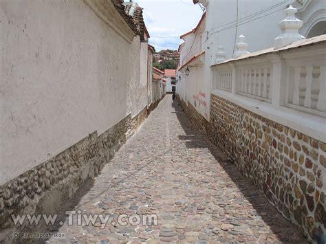 Tiwy.com - Calles de Sucre, Bolivia