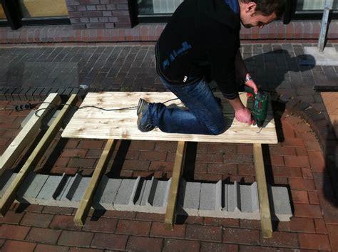 l steine abdichten eine terrasse selber bauen bauanleitung in 3 schritten