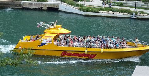 Speed Boat Rides In Chicago by Things To Do In Chicago Chicago Hotels Go Visit Chicago