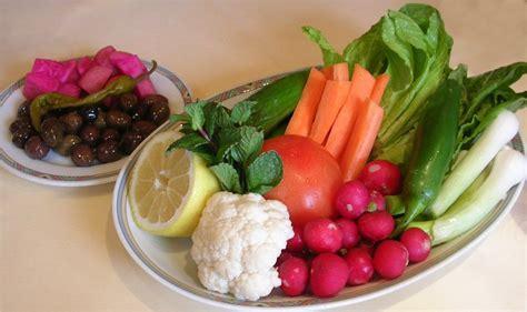 libanais cuisine assiette de crudités